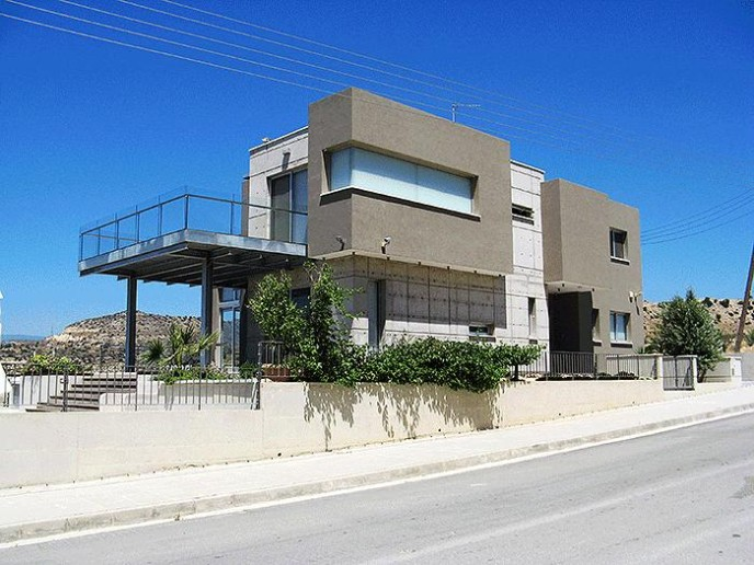 Modern looks and dynamic architecture – private house in Limassol, Cyprus.
